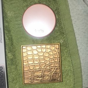Trate mini blush and bronzer duo.